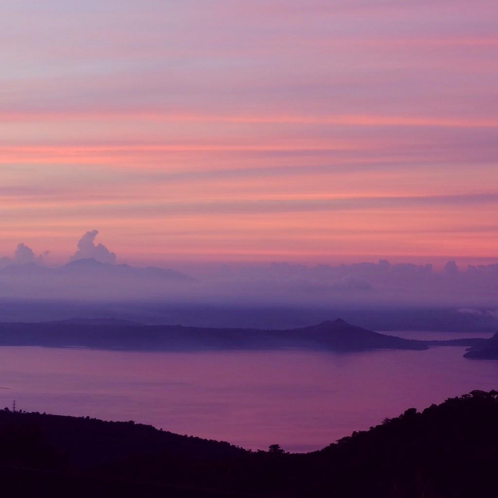 Taal Lake viewed from Tagaytay at 5 AM (Fujifilm X-A1)