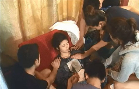 Housemates Pray