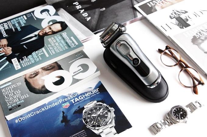 body groomer beside fashion magazines