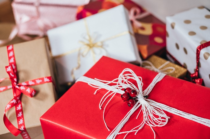 red-gifts